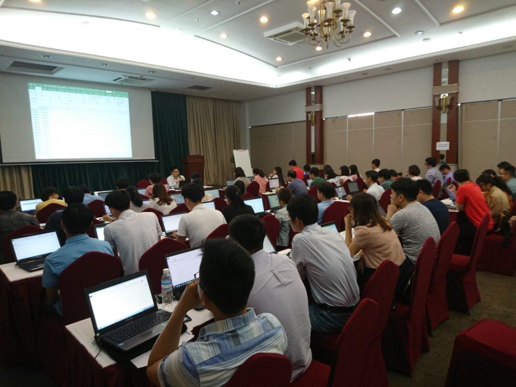 Lop Excel VCB mien Nam thu hai_20181216_1